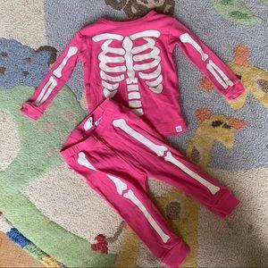 GAP Glow in the dark pajamas EUC. Size 6-12 months